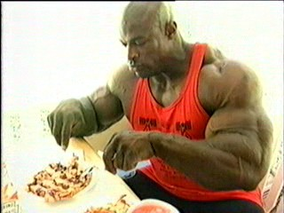 Ronnie_coleman_eating_chicken_breasts